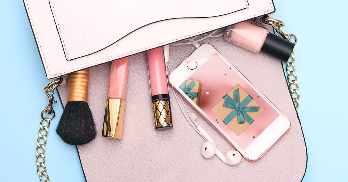Everything You Need to Know About Beauty Brands and Holiday Content on Social Media