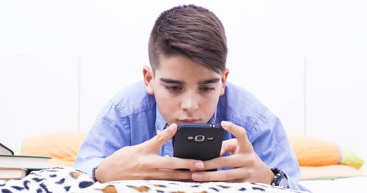 How Does Social Media Affect Teenagers?